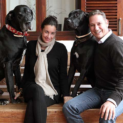 Anthony & Olive Hamilton Russell mit den Doggen Horrocks & Ophelia